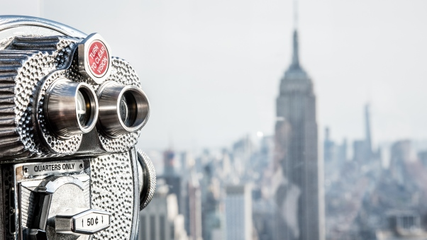 usa_new_york_manhattan_rockefeller_center_binoculars_112290_602x339