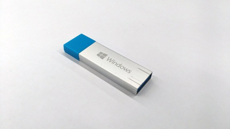 Windows-10-USB-drive-bootable